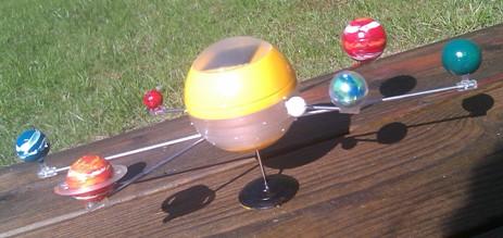 Soldrivet solsystem, byggkit för barn